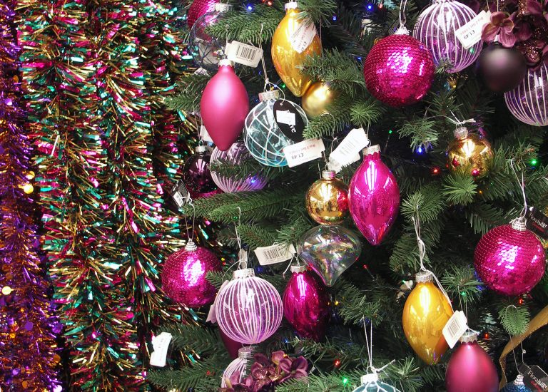 https://www.stjohnsgardencentre.co.uk/wp-content/uploads/2016/10/christmas-display_768x550_acf_cropped.jpg